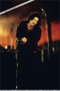 Earth-sOng-michael-jackson-8063644-800-1200